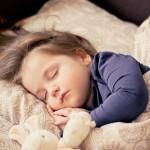 赤ちゃんの熱帯夜対策について!パジャマや布団の選び方は?