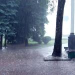 集中豪雨の定義や仕組みについて。ゲリラ豪雨との違いとは?